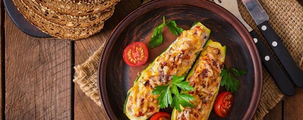 Per l'estate zucchine  e peperoni ripieni