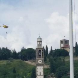 Sotto il Monte, 81enne si infortuna Recupero spettacolare con l'elicottero