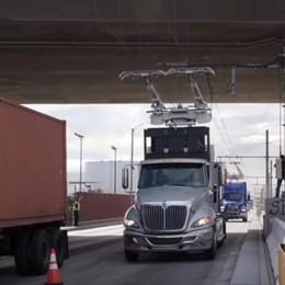Brebemi, prima autostrada per tir elettrici? In Svezia e in Germania è già realtà - Video