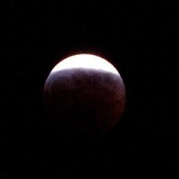 Venerdì la spettacolare eclissi di luna A San Tomé tutti con gli occhi al cielo