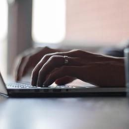 Allarme truffa delle finte mail Enel: «Attenzione, non credete ai rimborsi»