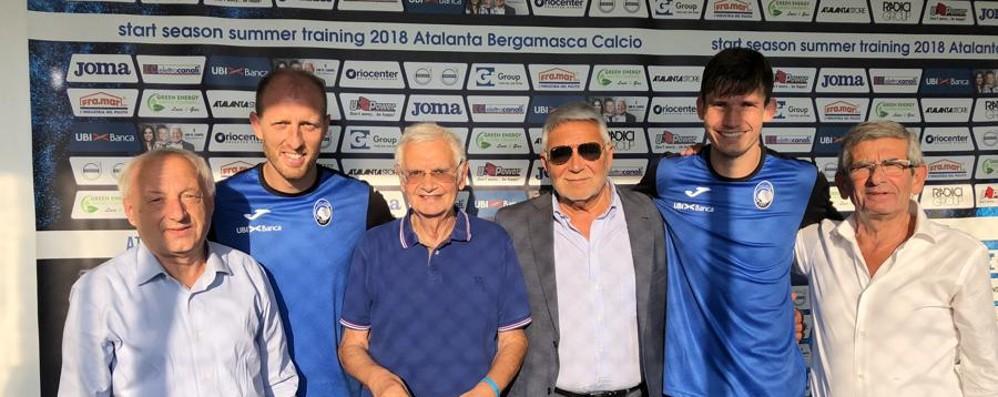 Gasperini, De Roon e Masiello applauditi dal club «Amici dell'Atalanta» a Rovetta