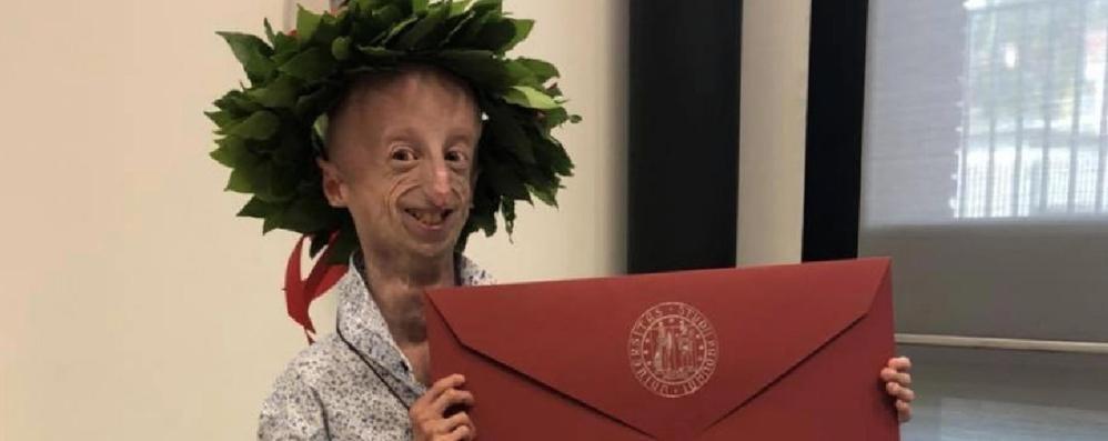 Sammy Basso realizza il suo sogno Si è laureato in fisica con 110 e lode