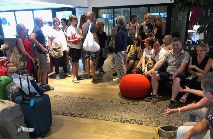 passeggeri volotea in hotel