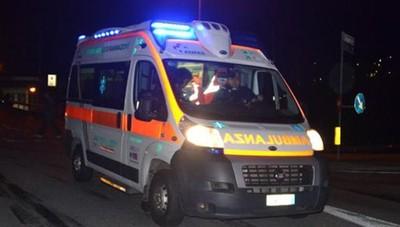Cade dalla moto in centro a Bergamo Ferita una ragazza di 20 anni