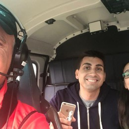 Darfo, gita in elicottero con sorpresa «Ylenia, vuoi sposarmi?»