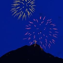 Il Monte Secco illuminato  Le foto di una notte suggestiva