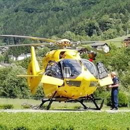 Cade per 10 metri in un dirupo   Valbondione, soccorsa in elicottero