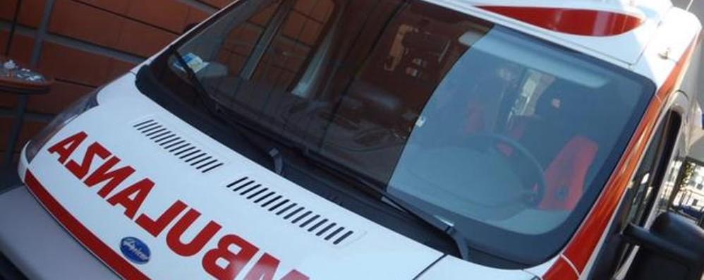 Si ferisce al piede mentre lavora Incidente a Seriate, grave 56enne