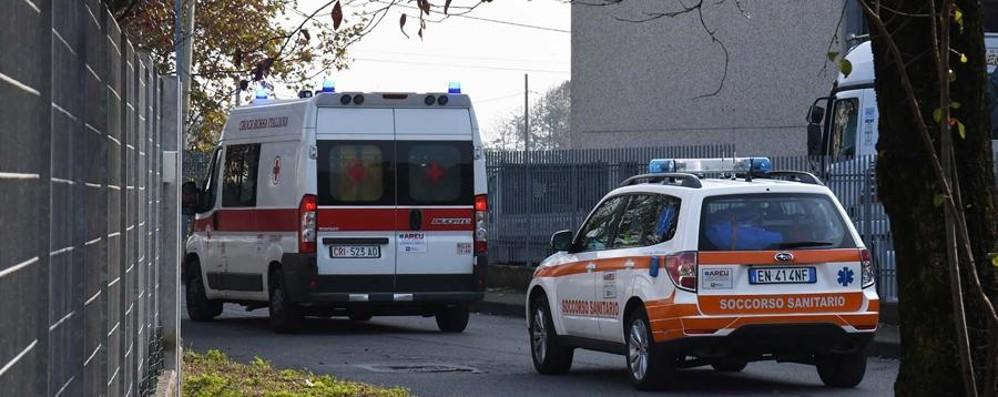 Cade da 7 metri al parco acquatico Bambino di 11 anni trasportato a Bergamo