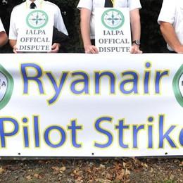 Lavoratori in sciopero? «Ci sostituiscono» Ryanair, mercoledì sarà giornata nera