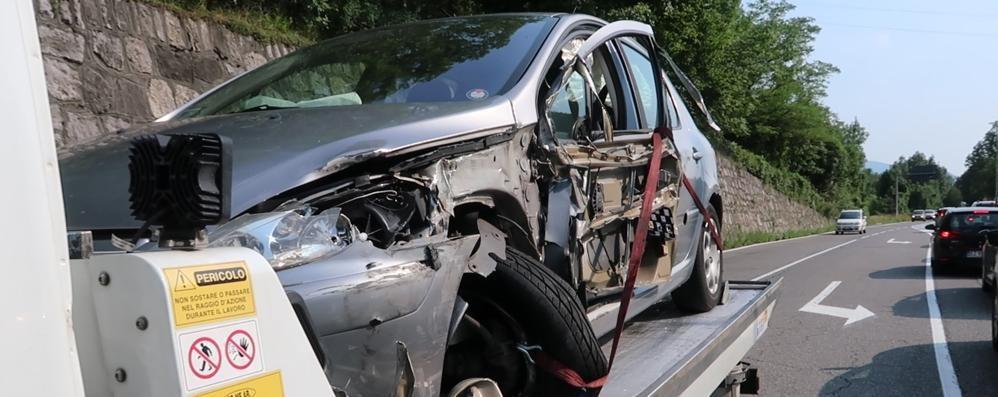 Tamponamento tra auto a Casnigo Lunghe code in Valle Seriana