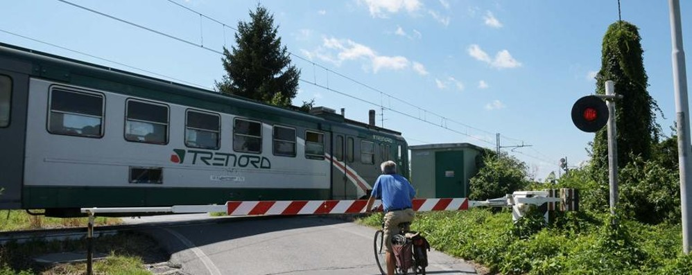 Catena di ritardi sulla linea per Brescia Treni dei pendolari in tilt per un guasto