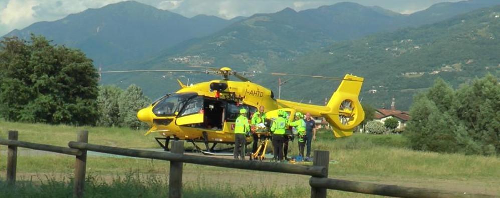 Livigno, bimbo sbalzato da trattore Trasportato in elicottero al Papa Giovanni