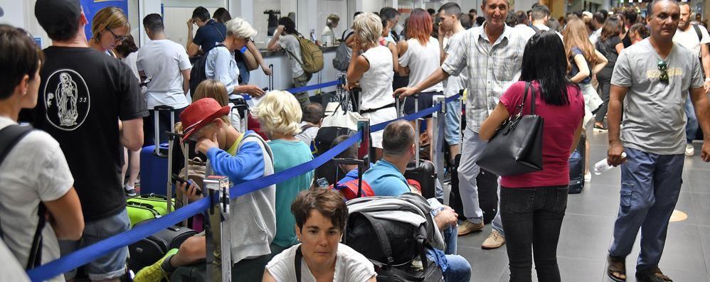 Ryanair non cede: niente risarcimenti I consumatori pronti alla battaglia