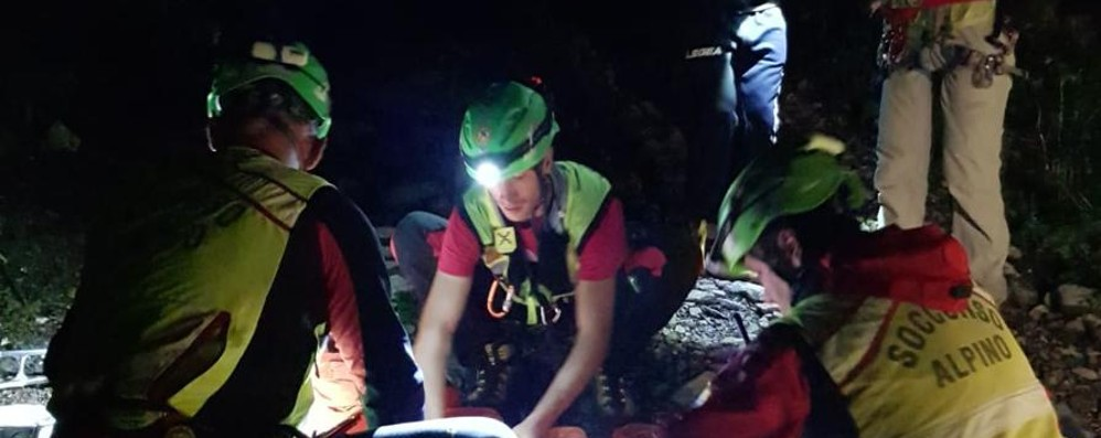 Oltre il Colle, 70enne cade in una scarpata Morto dopo un volo di 40 metri