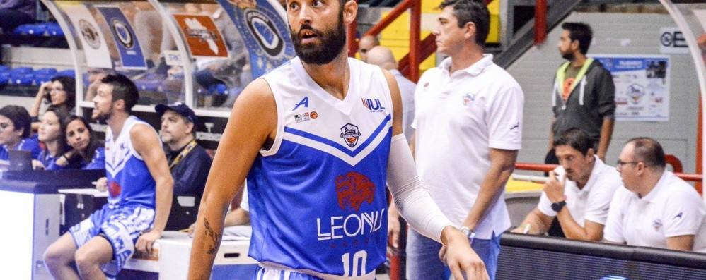 Basket, arriva la guardia Frassineti Treviglio, ecco la squadra al completo