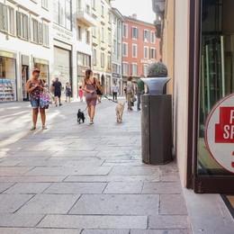 Saldi, sabato scattano le promozioni «Spenderemo 98 euro a testa»