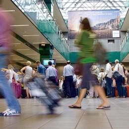 Sette voli cancellati a Orio per maltempo Una lettrice: «Ryanair senza info»