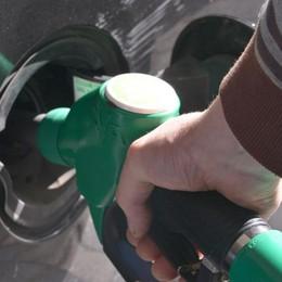 Benzina «miscelata» con  diesel Distributore manda in tilt le auto