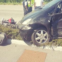 Moto contro auto a Fontanella  Muore 61enne di Calcio