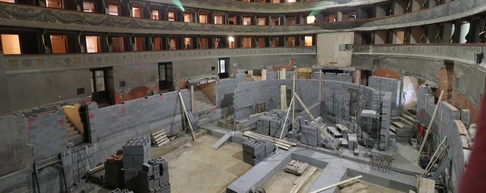 Teatro Donizetti, avanti tutta -Foto Ultime demolizioni e si sta già costruendo