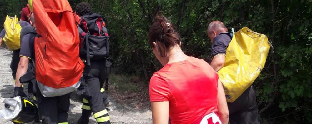 Cade in bici sul sentiero San Rocco Volo di tre metri in Maresana, ferito ciclista