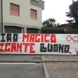 «Ciao magico gigante buono» Folla a Pedrengo per l'addio a Luca