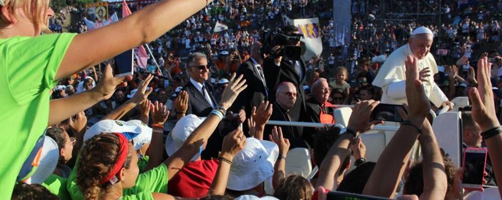 I 500 giovani bergamaschi dal Papa «Ragazzi, fate grandi sogni» - Fotogallery