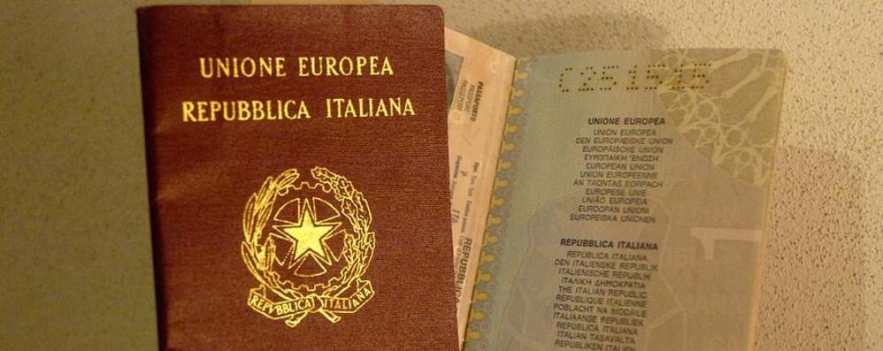 Il passaporto scade, bloccati a Bruxelles  Vacanze salve in sole quattro ore