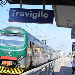 «Basta treni diesel e con pochi posti» La protesta dei pendolari esasperati