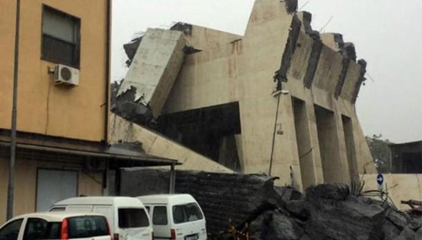 Crollo del ponte a Genova  Gasperini: «Mi si è gelato il sangue»