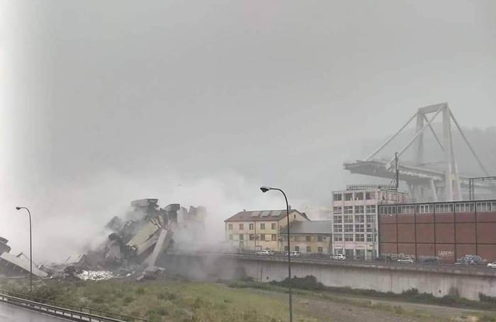 Le foto di Genova ratte da Fb