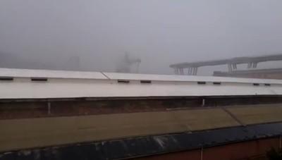 Il video del crollo a Genova