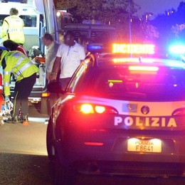 Soccorrono auto in panne, agenti travolti Al volante un 45enne bergamasco
