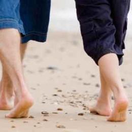 Camminare in spiaggia aiuta a star bene
