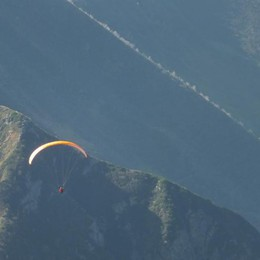 Lo schianto dello speedflyer sul Coca Borno piange Andrea Arici - Video