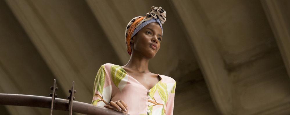 Allegria, colore e abiti femminili Viviam sceglie Bergamo per Maré