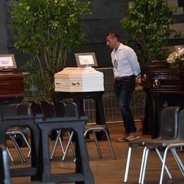 Genova, sabato i funerali di Stato A Bergamo bandiere a mezz'asta