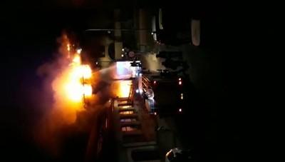Il video dell'incendio nella notte