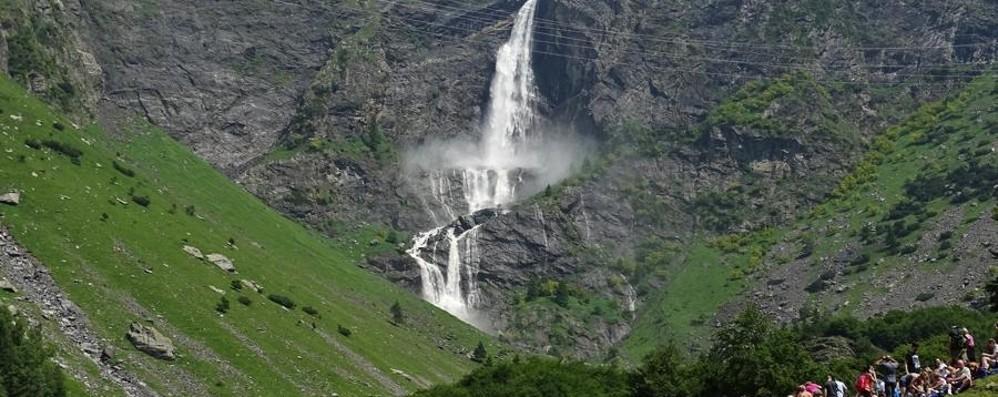 Il salto più bello della Bergamasca Domenica aprono le cascate del Serio