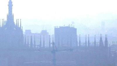 Nuove misure anti-smog in Lombardia Incentivi per cambiare i mezzi inquinanti