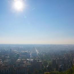 Allarme ozono in tutta la Lombardia Anche Bergamo supera la soglia - I dati