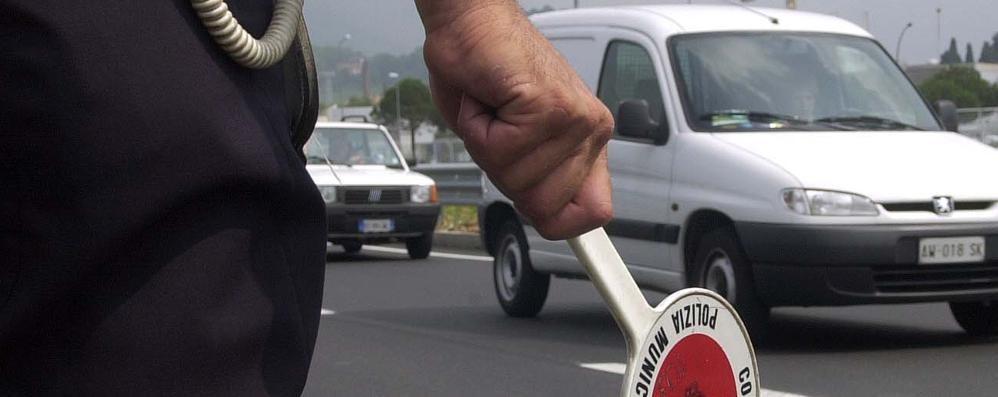 Assicurazione dell'auto  scaduta e falsa Bergamasca 45enne fermata a Jesolo