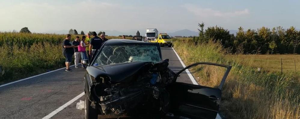 Schianto tra due auto sulla Soncinese Muore un 33enne a Romano