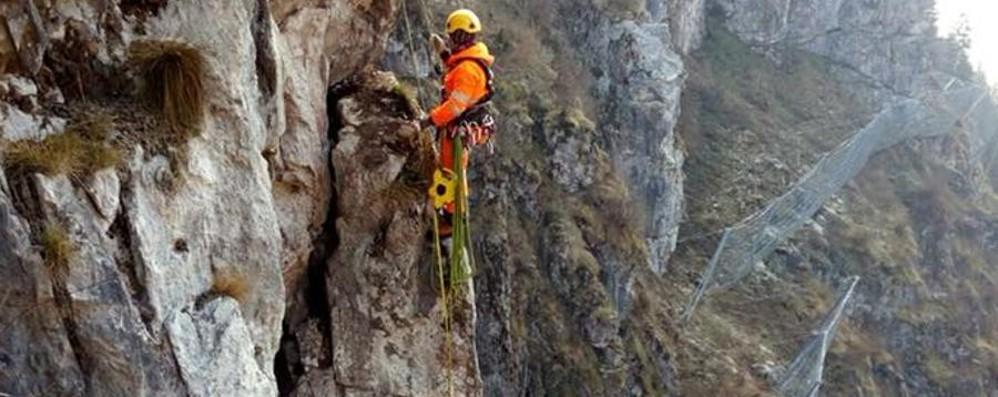Riapre la strada della Val Serina - Foto Lavori a tempo di record dopo la frana