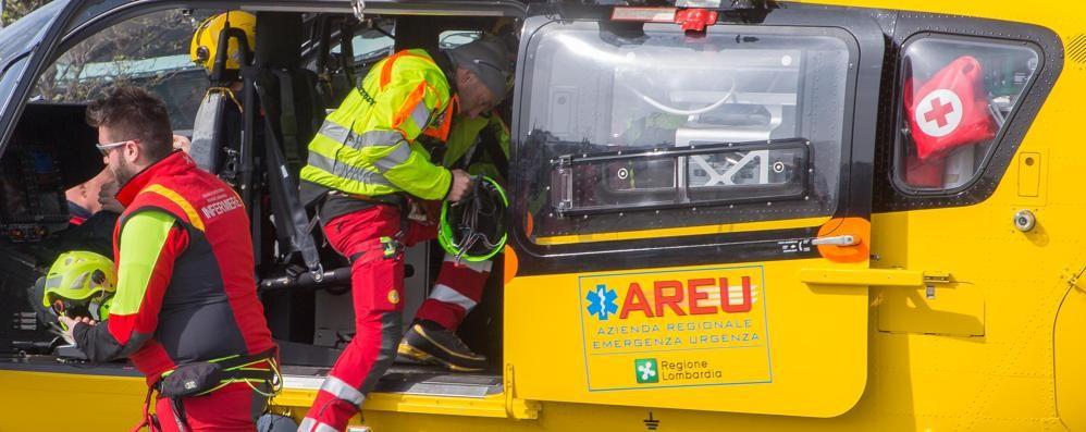 Rogno, grave scontro tra due auto Arriva l'elisoccorso, ferito un  58enne