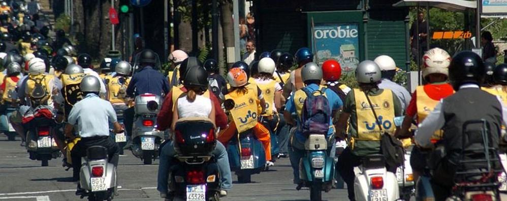 Troppi urti in moto, è emergenza L'appello: «Usate il casco integrale»