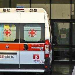 Ha fretta di nascere, parto in ambulanza Sorpresa per i genitori, non è femmina