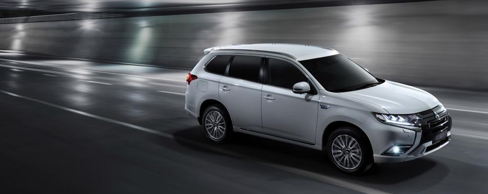 Mitsubishi Outlander Phev L'ibrido abbatte le emissioni